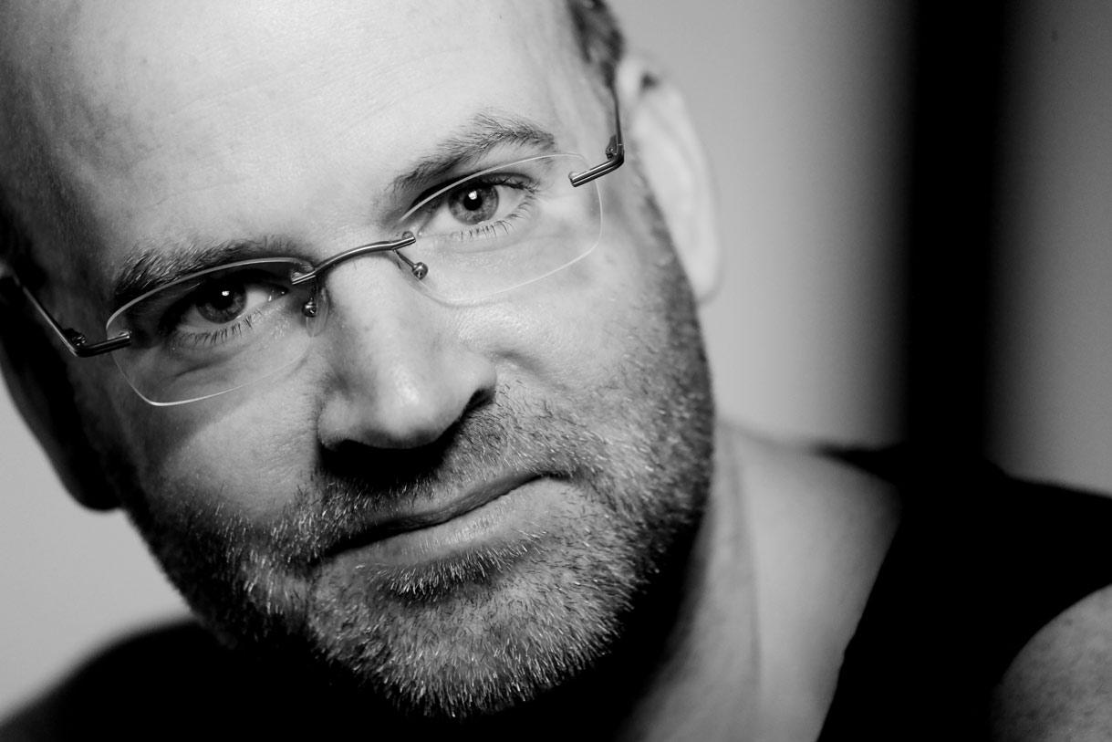 Mann mit Brille Portrait